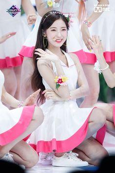 "Oh My Girl on Mnet ""M! South Korean Girls, Korean Girl Groups, Beautiful Asian Girls, Most Beautiful, Arin Oh My Girl, Kpop Girl Bands, Girl Sleeping, Girl Falling, Ulzzang Girl"
