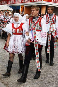 Kroj ze Svatobořic-Mistřína, Morava