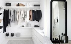 Teen Girl Bedrooms - styling tips. For more smart teenage girl bedroom styling designs please push the link for the post idea 8658826081 at once. My New Room, My Room, Girl Room, Teen Room Decor, Diy Bedroom Decor, Home Decor, Jugendschlafzimmer Designs, Teen Bedroom Designs, Teenage Room