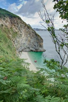 Phoebe's Point, St Austell Bay in Cornwall | England (by Bob Bee) Looks tropical to me! Like the other picture. Beautiful.