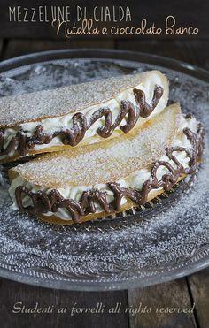 mezzelune di cialda nutella e cioccolato bianco