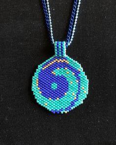 Beading Tutorials, Beading Patterns, Beaded Jewelry, Handmade Jewelry, Crochet Necklace, Beaded Necklace, Peyote Beading, Yin Yang, Bead Art