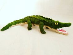 Items similar to Alligator crocodile reptile woven crochet amigurumi green animalestejidos knittinganimals kniting on Etsy Crochet World, Crochet Toys, Crochet Designs, Crochet Patterns, Knitted Animals, Crocodiles, Crochet For Kids, Handmade Toys, Pin Cushions