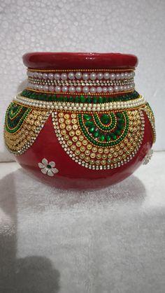 Kalash Decoration, Thali Decoration Ideas, Diy Diwali Decorations, Pottery Painting Designs, Pottery Designs, Rangoli Designs, Mehndi Designs, Coconut Decoration, Acrylic Rangoli