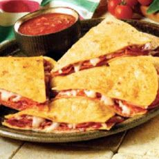 Pizzadilla -- Weight Watchers Recipe - quick alternative to a grilled cheese sandwich! w/corn tortillas!
