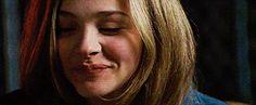 O sorriso mais bonito é, infelizmente, de quem sofre ou sofreu muito.