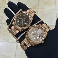 Rolex SkyDweller Rose Gold Left Or Right % Authentic Buy-Sell-Trade (305)377-3335 WhatsApp (305)216-8693 #seybold #diamodclub #diamondclubmiami #miami #jewelry #cuban #cubanlink #cubanchain #miamicuban #rolex #daydate #datejust #audemars #audemarspiguet #ap #hublot #patek #patekphilippe #luxurywath #picoftheday #diamond #luxury #luxurywatches #luxuryrolex