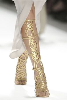 Elie Tahari - These would be hard to pull off in real life, but aren't they awesome?