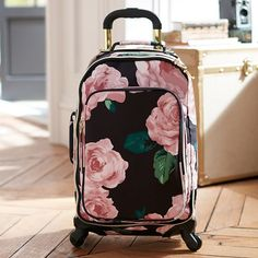 Cuuuuuuuute! -- The Emily & Meritt Floral Carry-On Spinner