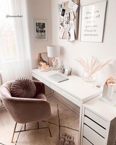 but then stylish with pretty writing utensils & unique furnishing ideas! Discover stylish home office products on WestwingNow! 📷: Beri Ünlü // Interior Inspo Furnishing Decoration Living Ideas Home office decor office design office ideas Study Room Decor, Room Ideas Bedroom, Diy Bedroom Decor, Desk In Bedroom, Small Bedroom Ideas For Teens, Small Bedroom Office, Small Bedroom Inspiration, Bedroom Decor For Small Rooms, Master Bedroom