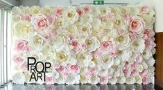 wedding paper flowers wall in house Diy Paper, Paper Art, Paper Crafts, Giant Paper Flowers, Diy Flowers, Flower Crafts, Flower Art, Deco Pastel, Paper Backdrop