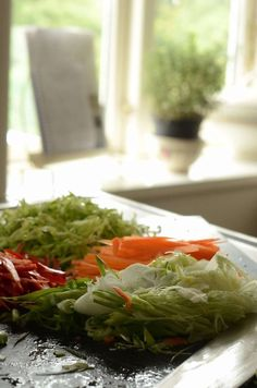 a00011 Seaweed Salad, Cabbage, Snacks, Vegetables, Ethnic Recipes, Food, Veggie Food, Cabbages, Vegetable Recipes