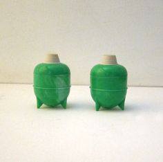 Antique Vintage green swirl celluloid sputnik picnic by evaelena, $16.00