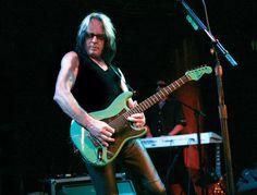 6/22: Happy birthday to Todd Rundgren!
