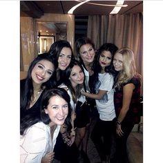 Selena Gomez ; with friends