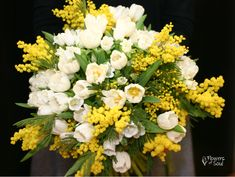 Buchet cu 50 lalele, Campanula și Mimosa – Flowers of Soul Martie, Floral Wreath, Wreaths, Table Decorations, Flowers, Home Decor, Homemade Home Decor, Flower Crown, Florals
