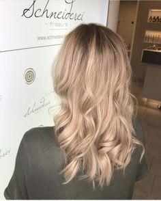Beautiful blonde Blonde Hair, Long Hair Styles, Beauty, Beautiful, Shaving Machine, Blond Girls, Barber Salon, Hair Stylists, Dressmaking