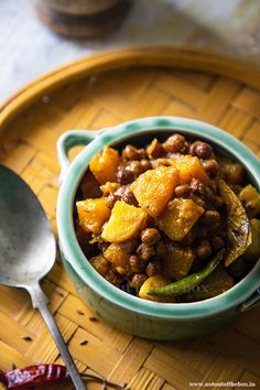 Kumror Chokka/Bengali style Pumpkin Curry with Black Chickpeas | Not Out of the Box Indian Vegetarian Dishes, Indian Veg Recipes, Ethnic Recipes, Pumpkin Curry, Bengali Food, Coriander Powder, Chickpea Recipes, Curry Recipes