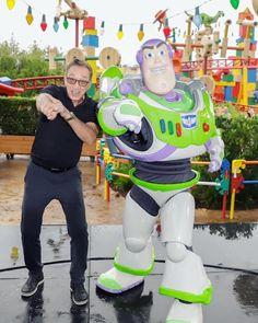 Tim Allen and Buzz Lightyear Up Pixar, Disney Pixar Movies, Disney Characters, Disney Cruise Line, Disney Fun, Walt Disney, Pixar Shorts, Friends Day, Disney Addict