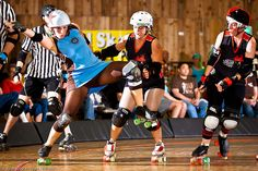 Holy what? Oly Rollers vs. Kansas City. Photo by Jules Doyle (aka Axle Adams).