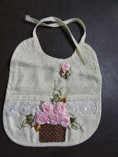 LOY HANDCRAFTS, TOWELS EMBROYDERED WITH SATIN RIBBON ROSES: BABADOR!