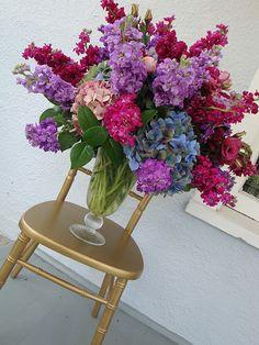Hydrangea wedding arrangement - not the colors but the shape