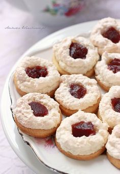 Dream Cake, Xmas Food, Doughnut, Christmas Cookies, Delicious Desserts, Cake Recipes, Deserts, Food And Drink, Cooking Recipes