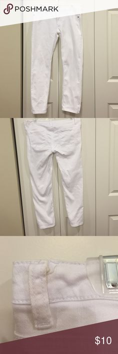 White Skinny Jeans These jeans are in excellent condition. The only wear in on the back belt loops. They have some discoloration from me pulling them up most likely. They are low rise and short length. You could easily roll them up for capris too. These are a great summer staple and a great deal. Mossimo Supply Co. Jeans Skinny