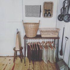 Media?size=l Diy Interior, Japanese Culture, Wardrobe Rack, Diy And Crafts, Life Hacks, New Homes, Minimalist, House Design, Organization