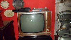 televisão antiga valvulada funcionando