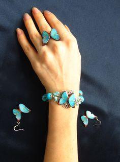 Blue Handmade Polymer Clay Butterfly Earrings por iValCrafts