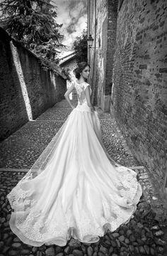 Moda sposa 2015 - Collezione ALESSANDRARINAUDO. SILVIE ARAB15624IV. Abito da sposa Nicole.