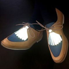 LFLECT — Reflective Fringed Shoe Tongue