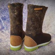 Felt Boots, Rubber Rain Boots, Chelsea Boots, Ankle, Shoes, Fashion, Moda, Zapatos, Wall Plug