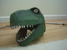 Front view of finished head. Eyes are made from paper egg cartons. Teeth are regular cardboard. Toy Story Halloween Costume, T Rex Costume, Toy Story Costumes, Halloween Magic, Dinosaur Costume, Diy Halloween Costumes For Kids, Costume Box, Halloween 2015, Boy Costumes