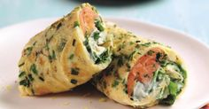 If you're looking for healthy lunch ideas, try this high protein and low carb salmon egg wrap. Salmon Breakfast, Breakfast Wraps, Egg Recipes, Cooking Recipes, Healthy Recipes, Salmon Recipes, Egg Wrap, Clean Eating, Healthy Eating