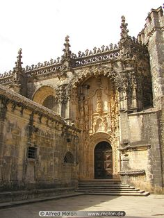 Convento da Ordem de Cristo, Tomar, Portugal! To stand where the Knights Templar ended or dis they? A must on my list!!!