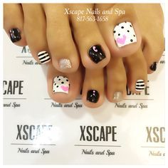 Cute Nail Art Ideas to Try - Nailschick Black Toe Nails, Pretty Toe Nails, Cute Toe Nails, Fancy Nails, My Nails, Pretty Pedicures, Toenail Art Designs, Toe Nail Designs, Cute Pedicure Designs