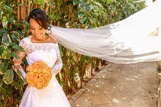 Vestido de Noiva Então ligue e agende sua visita! Conheça a nova coleção e confira de perto que dá pra casar vestida de sonho com orçamento que cabe