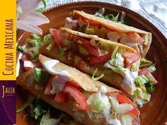 Golden Ground Beef and Potato Tacos Mexican Chef, Mexican Tacos, Mexican Dishes, Mexican Food Recipes, Beef Recipes, Dinner Recipes, Cooking Recipes, Papas Bravas Recipe, Carne Molida Recipe