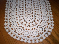 14 x 22 Hand Crocheted Vintage Oval Doily Centerpiece Ivory Colored Clean