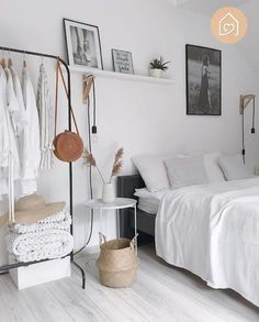 50 Lovely Winter Master Bedroom Decorations Ideas Best For You 50 Lovely Winter Master Bedroom Decor Small Room Bedroom, Trendy Bedroom, Home Decor Bedroom, Modern Bedroom, Decor Room, Master Bedroom, Contemporary Bedroom, Bedroom Red, Bed Room