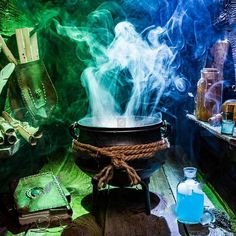 THE Ultimate Harry Potter London Bucket List Attractions, Tours & More! Harry Potter Parts, Harry Potter Activities, Harry Potter Filming Locations, Harry Potter London, London Guide, London Places, European Vacation, Kew Gardens, Toy Store