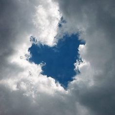 A beautiful sky blue Heart surrounded by white fluffy clouds. Such a pretty scene...love ths!!