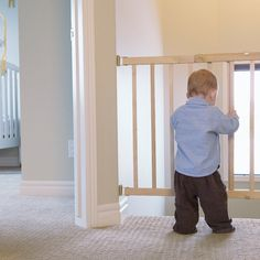 From Crib to Toddler Bed: 6 Tips For a Smooth Transition Wondering when and how to move your munchkin from a crib to a toddler bed? We've rounded up the top advice from Circle of Moms members on how to make the transition a smooth one.