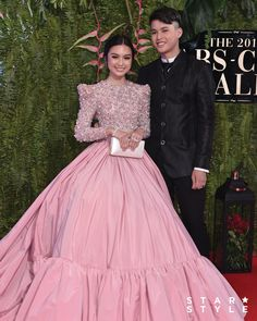 The 15 Best-Dressed Celebrities at the ABS-CBN Ball 2019 - Star Style PH Filipiniana Wedding Theme, Modern Filipiniana Dress, Wedding Dress, Michael Cinco Gowns, Celebrity Dresses, Celebrity Style, Maternity Bridesmaid Dresses, Liza Soberano, Nice Dresses