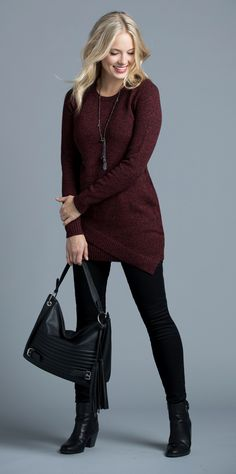 I love this burgundy/wine color! I also like thi sstyle of top, longer so i can pair it with leggings.