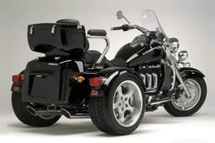 Triumph Motorcycles announces a new trike for 2013, also based on their top asphalt-scorching beast, Rocket III. While there is no official launch date, we can only assume that the new ride will be ready by early summer.
