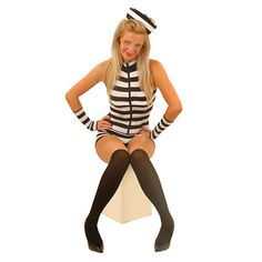 Have you been a baaad girl? If so then this Going Down Convict Costume is perfect for you. This sexy striped outfit has a zip up front and comes with a hat, stockings and wristbands. It's time this naughty girl went down for a long time. J.S    Black a... weiterlesen    Going Down Gefangene Kostüme – L für 12,99 EUR→