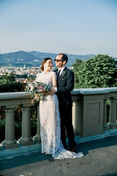 You only need your loved ones and a sublime escape in Tuscany to . Fine Art Wedding Photography, Couple Photography, Photography Ideas, Greece Wedding, Italy Wedding, Luxury Wedding, Elegant Wedding, Bridal Portraits, Destination Wedding Photographer